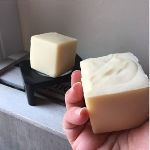 Bain & Savon Chamomile Shampoo Bar for Blonde hair