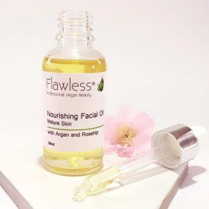 Flawless Nourishing Facial Oil Open