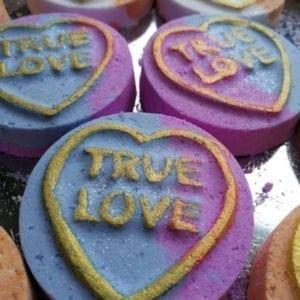 Unique Creations Love Hearts Bath Bomb